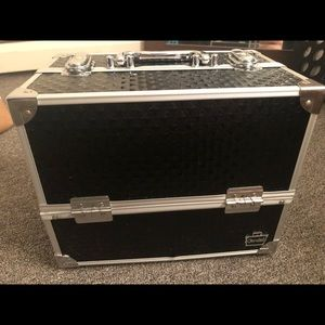 Large caboodle great condition!!!